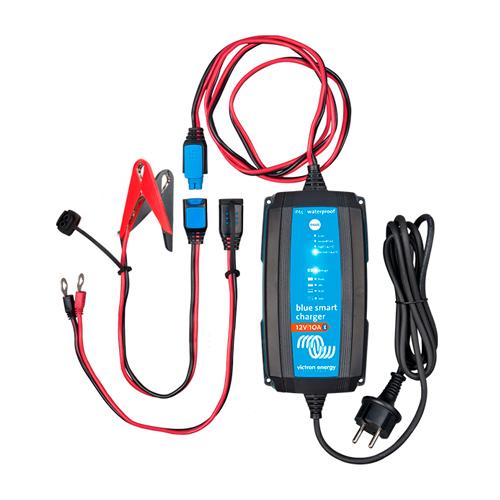 Cargador de Batería Victron Energy BlueSmart IP65 Charger 12/10(1) 120V NEMA 1-15
