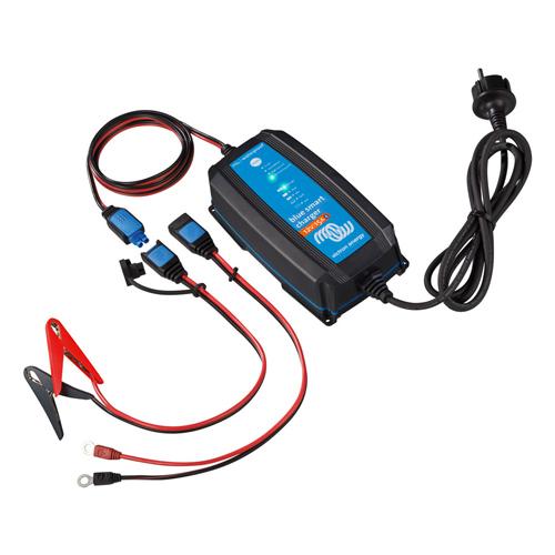 Cargador de Batería Victron Energy BlueSmart IP65 Charger 12/15(1) 120V NEMA 1-15